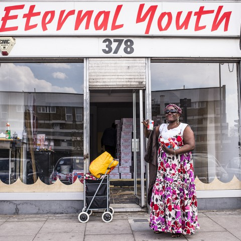 eternal-youth-shop-opening-london-coconut-water-2013-02