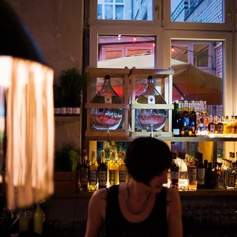 mh-blog-bar-handover08