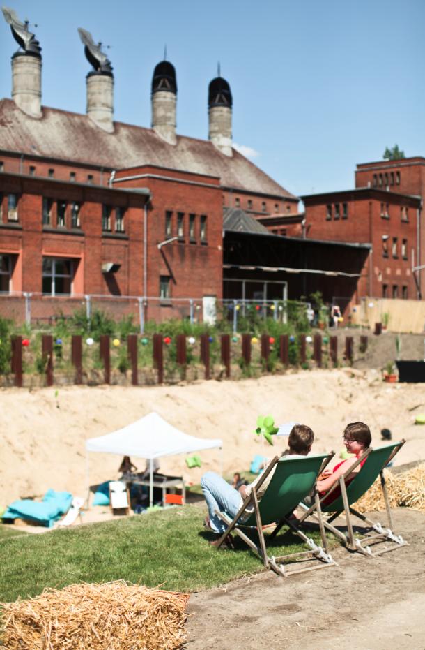 Malzfabrik im Sommer